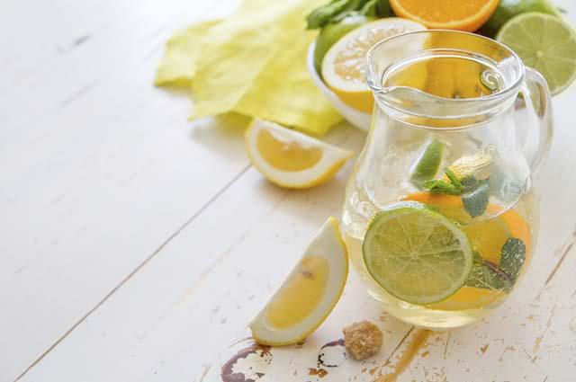suco-verde-laranja-limao Combinações de suco verde