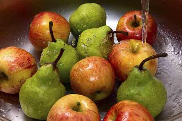 bicarbonato-limpar-frutas-verduras Bicarbonato de sódio quais são os usos na cozinha