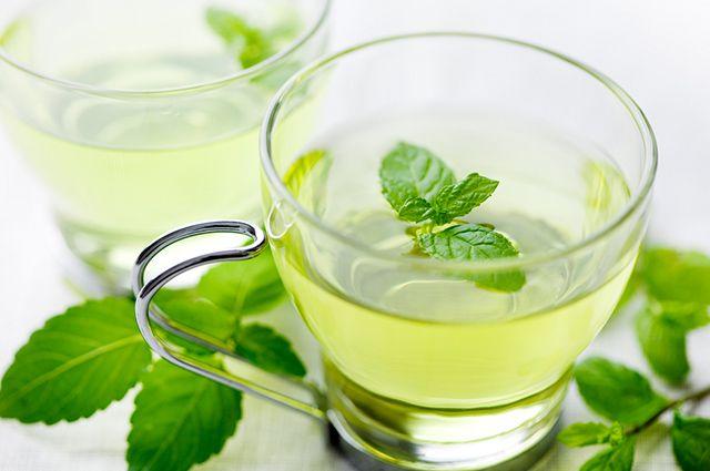 O chá de boldo com hortelã consegue tratar gordura no fígado