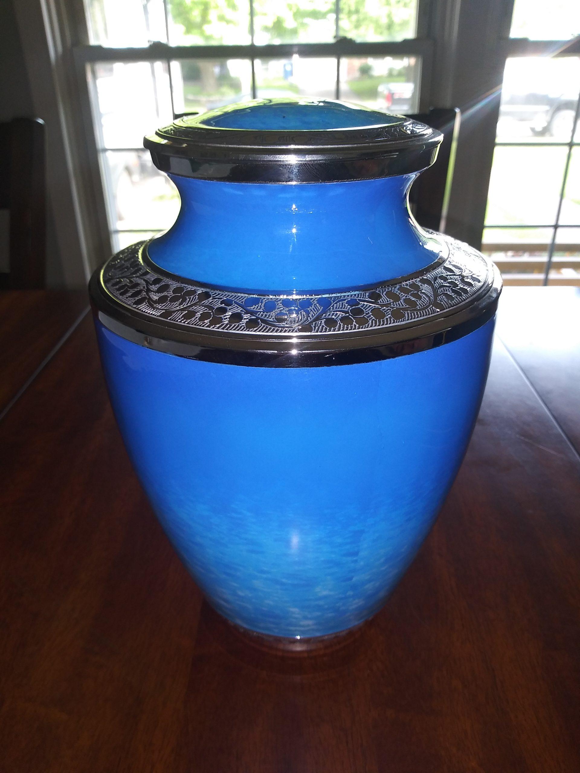 Caitlin Frangel's urn 4