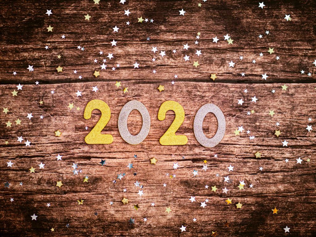 2020 escrito em letras de papel