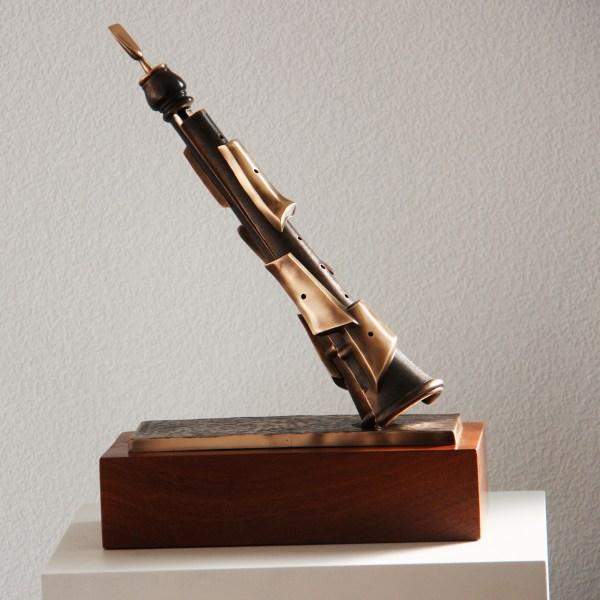 Dolçaina - Escultura de fundición de bronce - Escultor Remigio Vidal 01