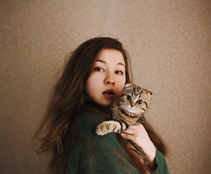 Try Expressive Selfie Poses With Your Pet