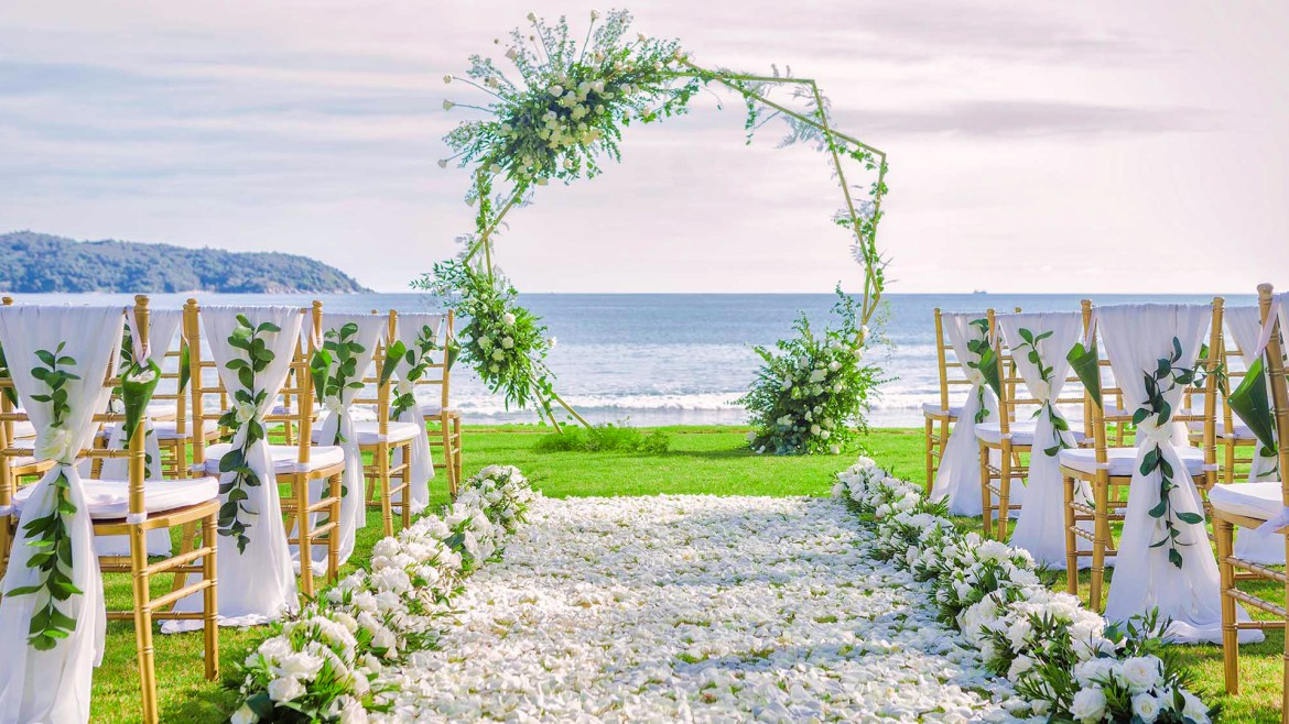 The Great Debate: Should You Host A Destination Wedding? Find Out If A Wedding Away From Home Is The Right Choice For You
