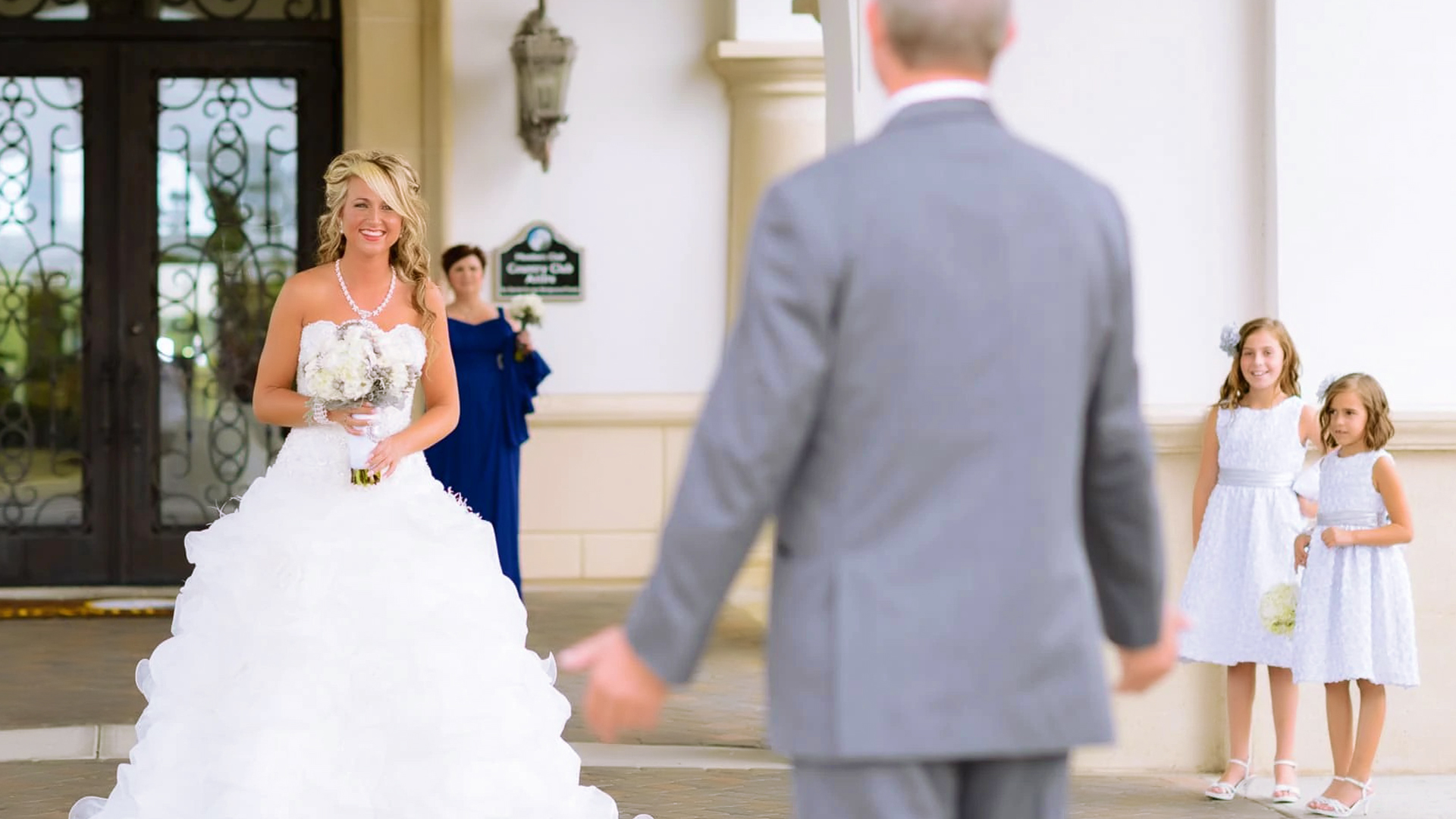 The Pros And Cons Of First Look Photos - Let Us Help You Decide, If You Are Not Sure