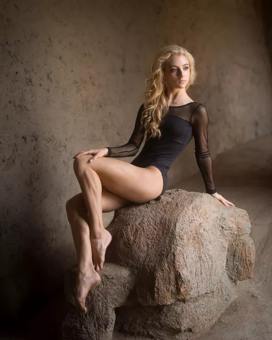 All You Need To Know About Glamour Photography And 6 Tips For Successful Glamour Shots