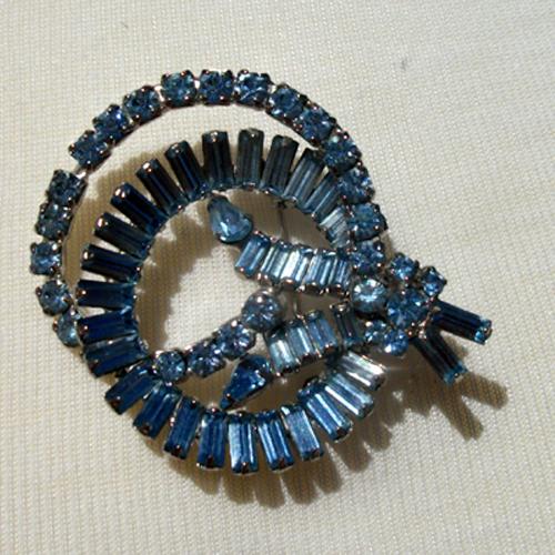 blue rhinestone swirl brooch pin-Remix Vintage Clothing