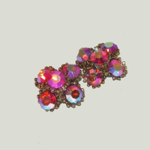 red rhinestone pins brooches-the remix vintage fashionRemix Vintage Fashion