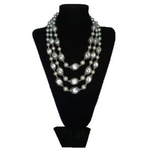 triple strand necklace sea foam blue-the remix vintage fashion