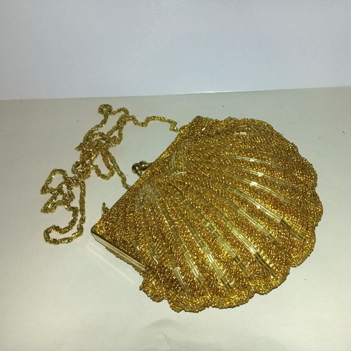 la regale purse gold beaded clutch 80s | the remix vintage fashion