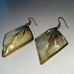 Mother of Pearl 14K Carved Earrings-the remix vintage fashion