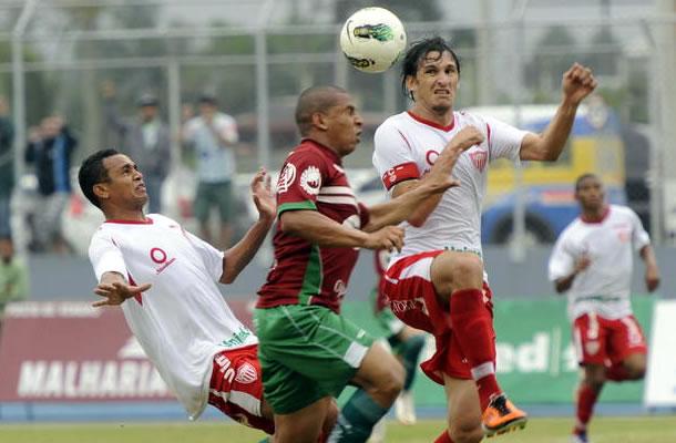 Mauro (direita)