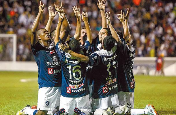Jogadores do Remo agradecem pela vitória conquistada