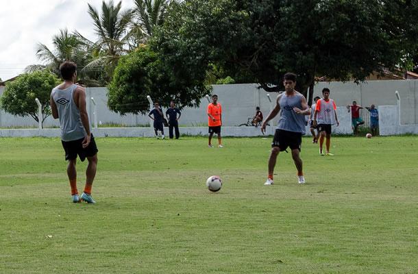 Jogadores do Remo treinam em Castanhal durante a pré-temporada