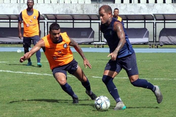 Fernandes, Geandro e Everton