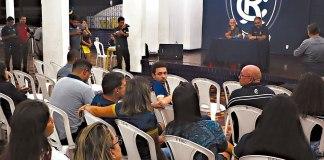 Plenária na sede social