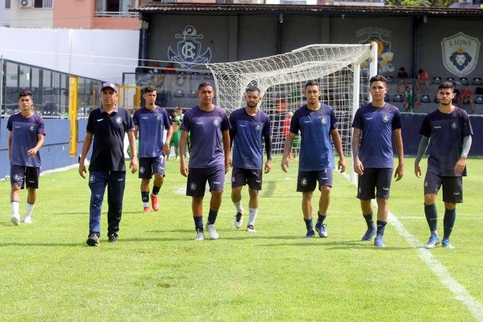 Raimundo Santos e alguns atletas do Sub-20