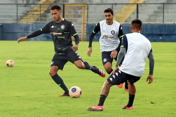 Renan Gorne, Lucas Siqueira e Wallace