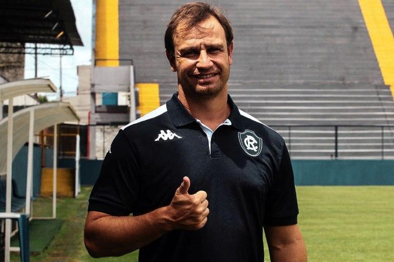 Já em Belém, técnico Felipe Conceição será apresentado aos jogadores neste domingo