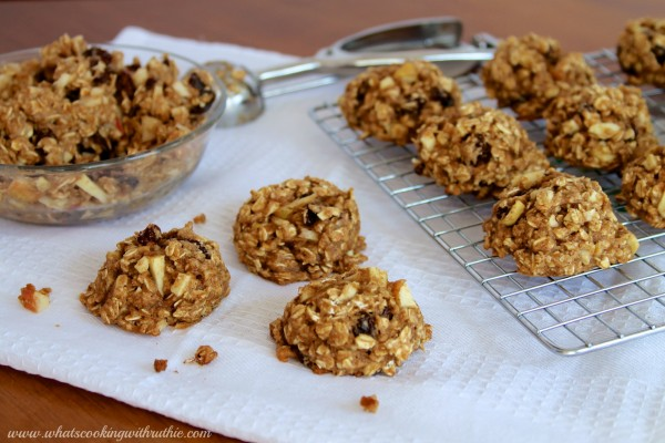 Healthy Oatmeal Apple Raisin Cookies