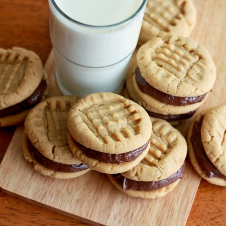 Peanut Butter Sandwich Cookies with Nutella Filling