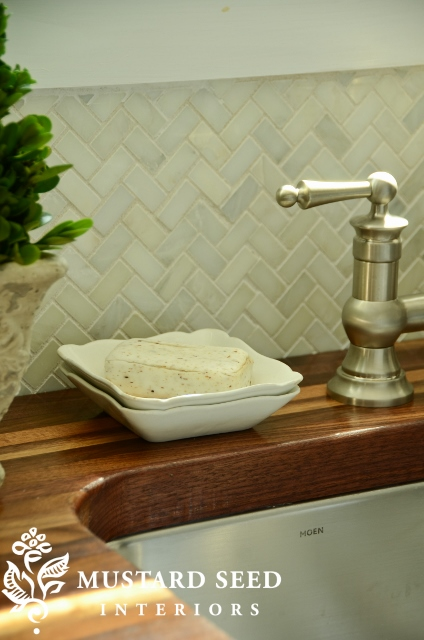 Herringbone Pattern Marble Backsplash