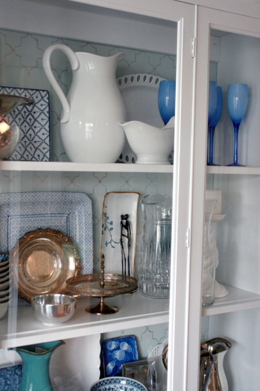 15 DIY Remodel Of Kitchen Hutch For Storing Dishes, By @Remodelaholic