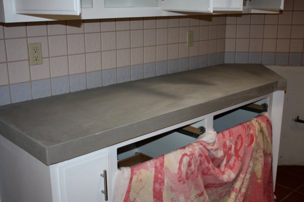 19 Gorgeous New Backsplash And DIY Concrete Countertops, By Design Stocker Featured On @Remodelaholic