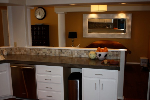 39 How To Use Level Quick Concrete For Kitchen Countertops, By Design Stocker Featured On @Remodelaholic