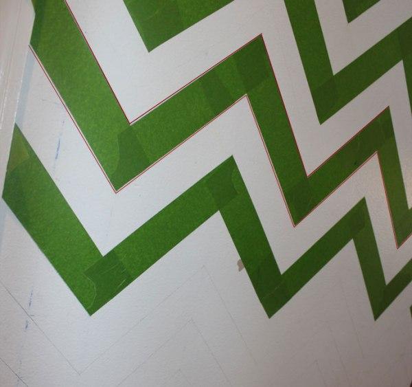 Chrvon stripe painting tutorial #Chevron #tutorial #wall (14)