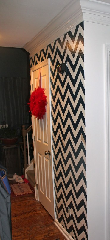 Chrvon stripe painting tutorial #Chevron #tutorial #wall (24)