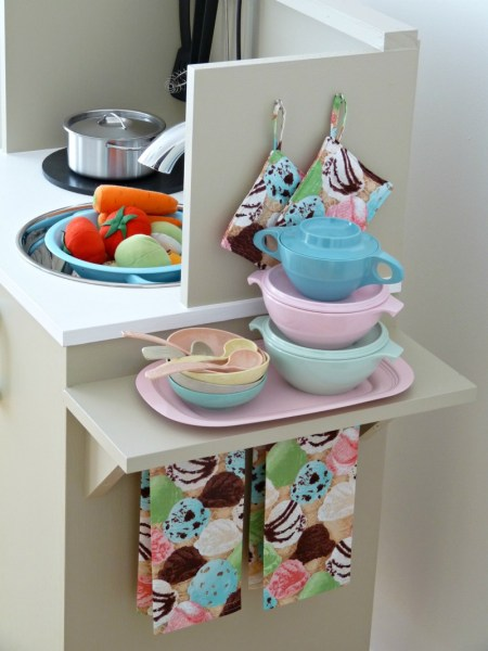 Play Kitchen From Microwave Stand (22)