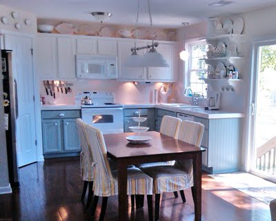 8 Painted kitchen cabinets, gray and white kitchen, Silver Mink by Benjamin Moore, Natural Choice by Sherwin Williams, Mom and Her Drill featured on @Remodelaholic