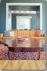 immaculate-living-room-blue-and-coral-hues11