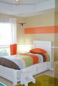 orange boys bedroom (200x299)