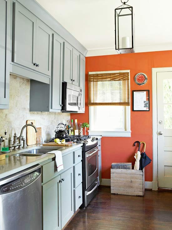 gray kitchen orange accent wall, traditional home @remodelaholic