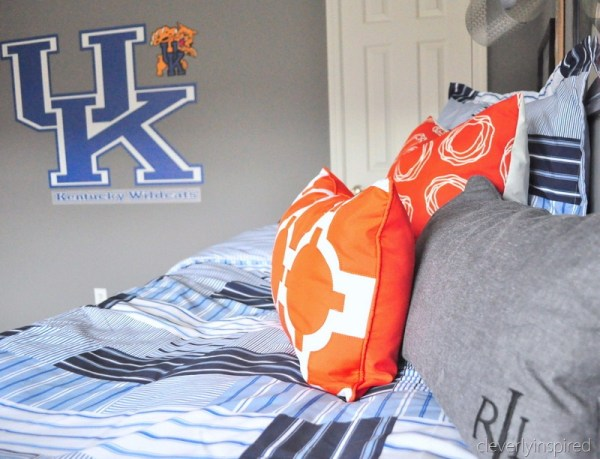 orange pillows accent boys room color pop, cleverly inspired @remodelaholic