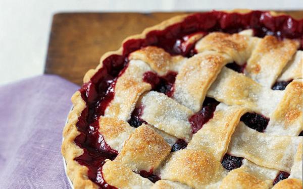 Remodelaholic Blackberry Pie