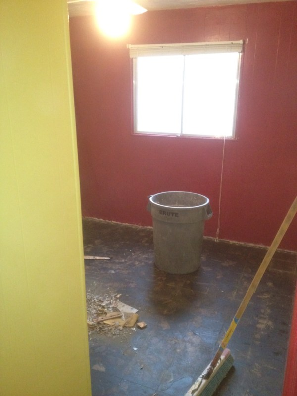 Lindsay & Drew pink & yellow room