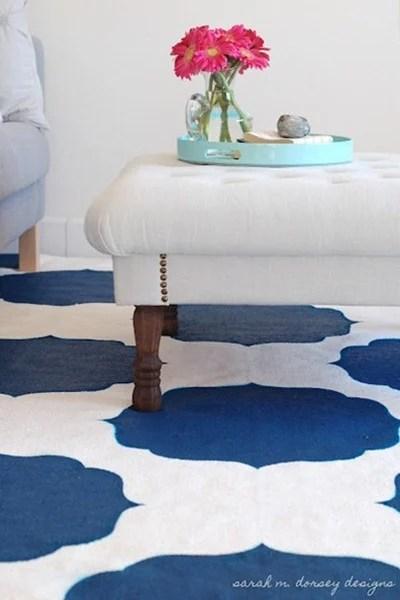 DIY-Stenciled-Rug-Moroccan-white-blue2_thumb.jpg