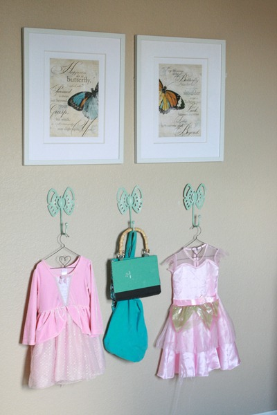 Girls Bedroom with stenciled wall and crown cornice canopy bed blue and green (9)