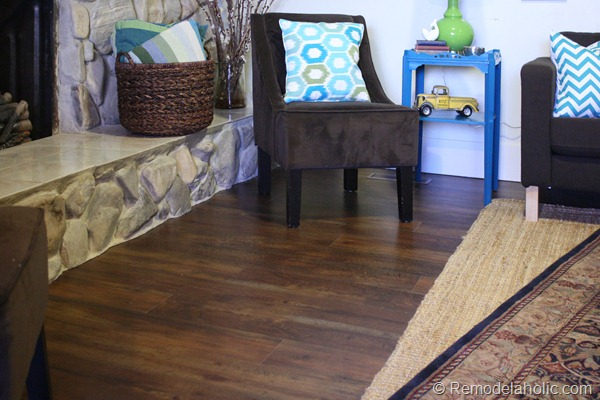 14 Flooring living room staged 001 (16)