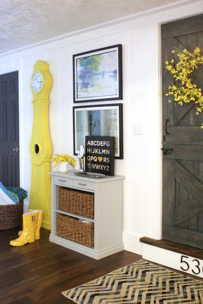 Build a Swedish clock tutorial Yellow Swedish clock national painting week (5)