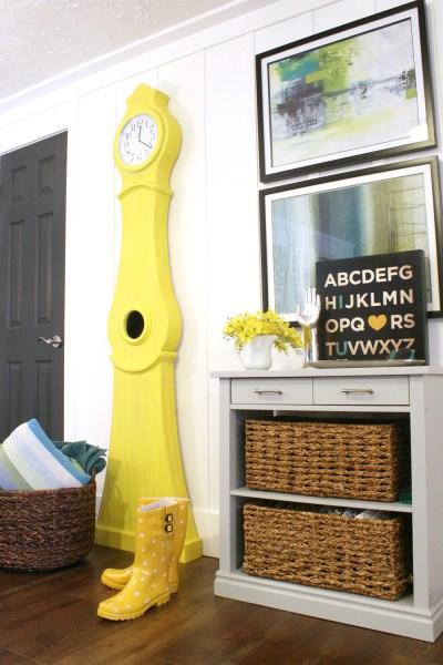 Build a Swedish clock tutorial Yellow Swedish clock national painting week (9)
