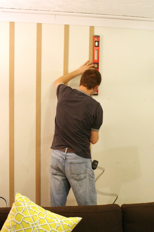 How to diy a professional looking board and batten wall from Remodelaholic