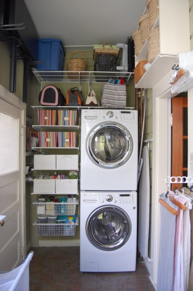 tiny organized laundry space with stacked washer and dryer, Pooksa Girl