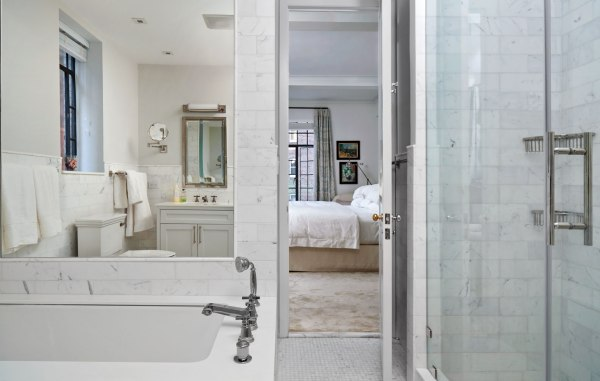Bath, Art Deco Apartment in the El Dorado NYC | Design by Design Development NYC | Photography by Trevor Tondro | featured at Remodelaholic.com #artdeco #design #decor #nyc