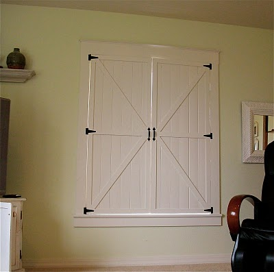 barn door inspired interior window shutters, Remodelaholic