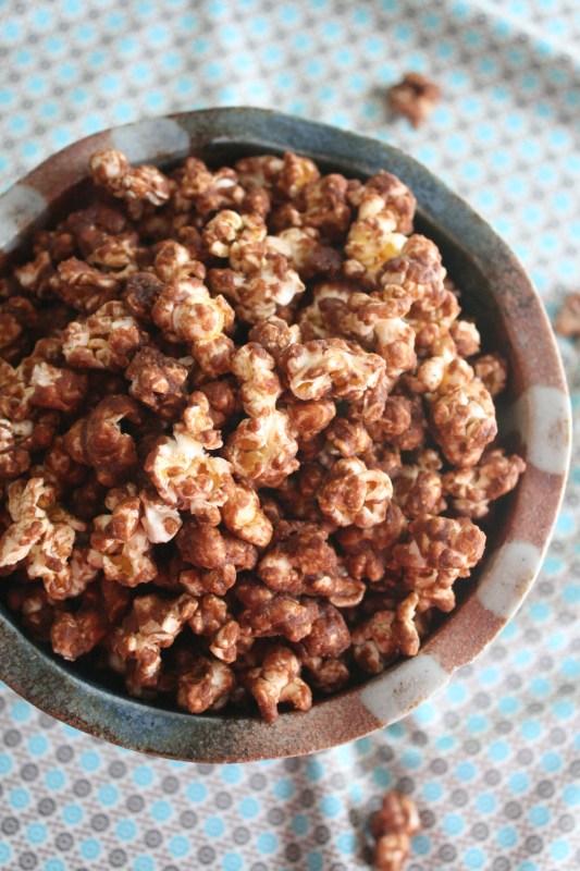 Caramel Nutella Popcorn Recipe | Remodelaholic.com