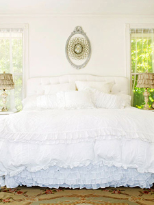dreamy white bedroom tips from Remodelaholic.com